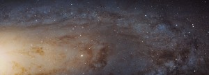 Le télescope spatial Hubble a réalisé une image mosaïque de la galaxie d'Andromède comptant 1.5 milliard de pixels et couvrant le quart environ de la surface de la galaxie. Plus de 100 millions d'étoiles sont visibles sur l'image originale. Ces étoiles ne sont pas perceptibles sur cette image en basse définition. Photo Nasa/ESA/STSCI.