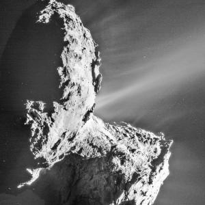 Cette image de la comète Churyumov-Gerasimenko a été prise par la sonde européenne Rosetta alors que la comète se trouvait à 320 millions de kilomètres du Soleil. Elle sera à seulement 186 millions de kilomètres en août prochain et recevra près de quatre fois plus de chaleur de notre étoile. Photo ESA.