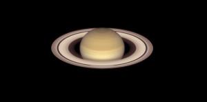 La planète Saturne, telle qu'elle apparaît dans le ciel en mai 2015. Cette image prise par le télescope spatial Hubble montre en détail les anneaux de la planète. Photo Nasa/ESA/STSCI.
