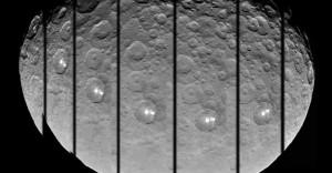 Cette série d'images prises par Dawn montre les mystérieux spots blancs de Cérès, situés au cœur d'un cratère de 80 kilomètres de diamètre. Photo JPL/Nasa.