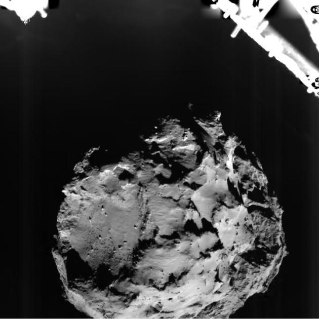 Durant l'atterrissage, Philae était à 3 km au-dessus de la comète Tchouri lorsque sa caméra panoramique ROLIS a pris ce cliché - Ph. ESA/Rosetta/Philae/ROLIS/DLR