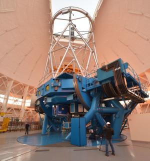 Le télescope de 8.1 mètre de diamètre Gemini South est installé au sommet du Cerro Pachon, à 2700 mètres d'altitude, sur les contreforts de la cordillère des Andes chilienne. Photo Serge Brunier.