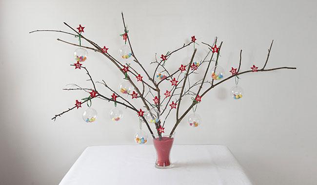 Un arbre de l avent pour accueillir j sus sant et vie fran aise - Arbre de l avent ...