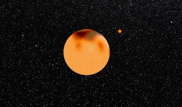 Cette image de synthèse montre la surface de l'étoile XX Trianguli, reconstituée par imagerie Doppler. A droite, à la même échelle, le Soleil. Montage Leibniz Institute/S.Brunier.