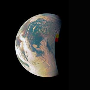 En route pour Jupiter, la sonde Juno a testé sa caméra en photographiant notre petite planète bleue. Photo Nasa.