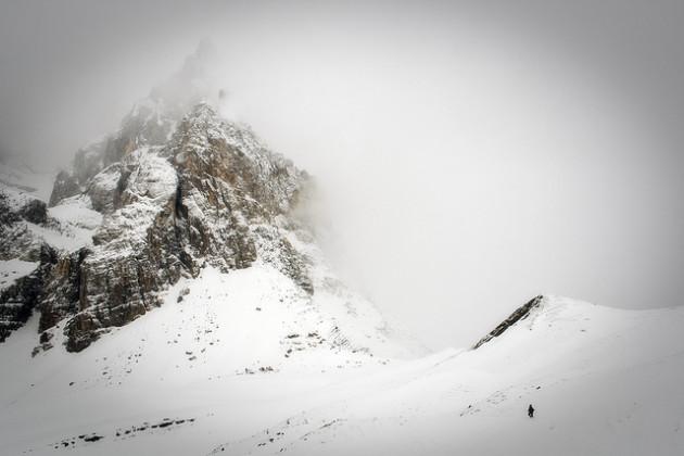 Composée d'une pléiade de cristaux, la neige réfléchit 95 % de la lumière. - Ph. Stormino / Flickr / CC BY ND 2.0