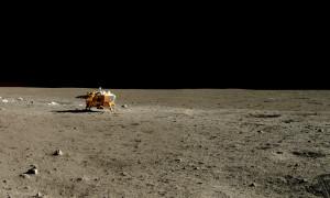 La sonde Chang'e 3, photographiée par le robot mobile Yutu. CNSA/Emily Lakdawalla.