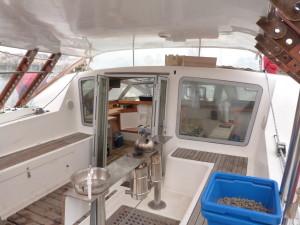 L'arrière du bateau (avant l'installation de la serre), montrant le réchaud. Ph. © Fiorenza Gracci