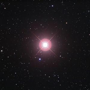 L'étoile géante rouge Arcturus du Bouvier se trouve à 37 années-lumière de la Terre. Photo Fred Espenak.