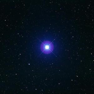 L'étoile Spica de la Vierge se trouve à 250 années-lumière de la Terre. Photo Fred Espenak.