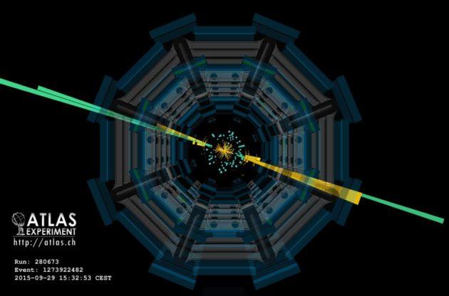 Trajectoire de particules dans le détecteur Atlas (crédit : Cern)